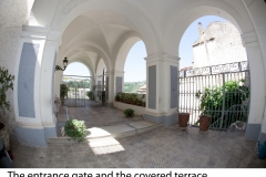 07-The-entrance-gate-and-the-covered-terrace-2-1