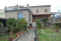 casa-principale-con-servizi-DSC_0033