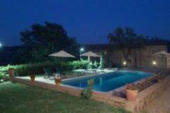 piscina-notte-255x170