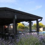 zona piscina con portico e annessi